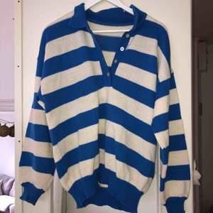 Fin blå randig tröja. Ev frakt 39kr 🌸