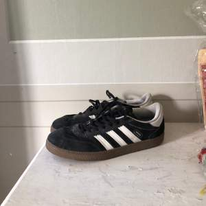 Adidas spezial i storlek 39,5