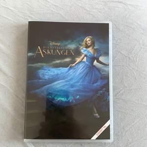 Säljer denna Disney film cinderella som dvd skiva