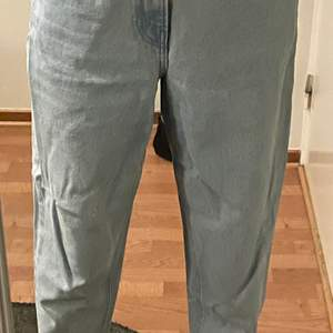 Mom jeans storlek L