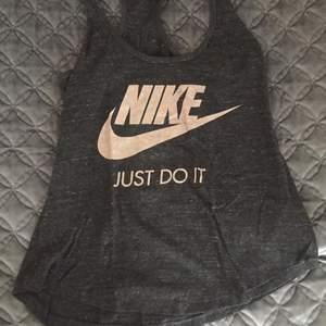 Nike Small för 50kr
