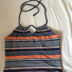 En väldigt fin tröja med mönster på. Är osäker vart jag köpte den men den va inte använd mycke. Bra skick.