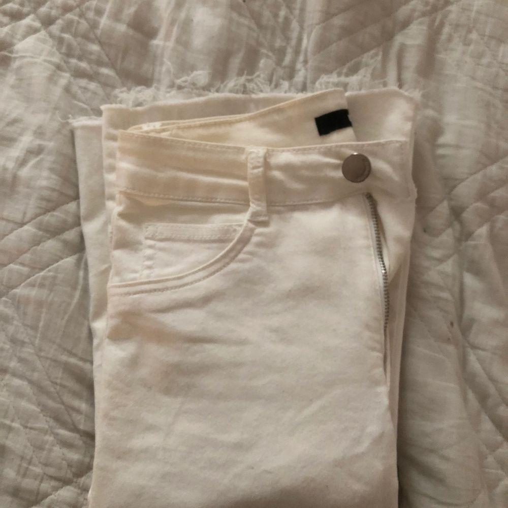 Har klippt av dom själv, så dom passar mig som är 162cm! Superfina & väldigt stretchiga!!. Jeans & Byxor.