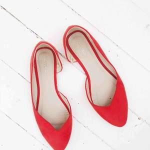 INKLUSIVE FRAKT!  Röda ballerina skor från NLY i storlek 38 passar även 37.