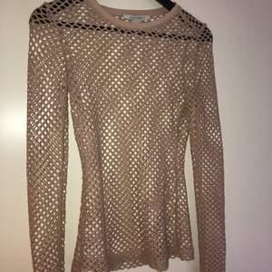 Ihålig/nättröja tröja från NLY TREND. Storlek S.