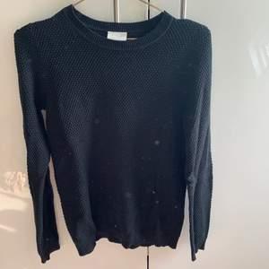 Svart stickad tröja från Vila i stl M👚👚💓💓 OBS!! Frakt ingår ej!!💓💓