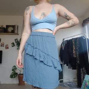 Skön blå kjol, aldrig använd!