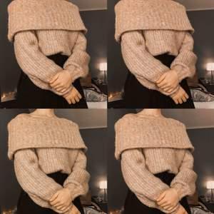 Söt off-shoulder tröja. Galet fin nude-rosa färg💕  använd max 5 ggr! Köpare står för ev frakt. Kan mötas upp i Uppsala🌸