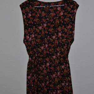 Snygg klänning från mango