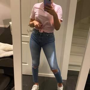 Så himla fina jeans från bikbok!! STORLEK S. Jag är 165