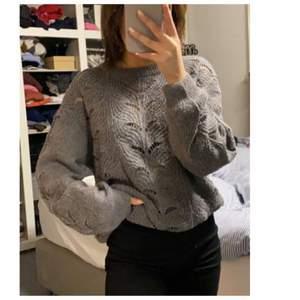 Fin tröja med fina mönster i stl xs från lager 157!