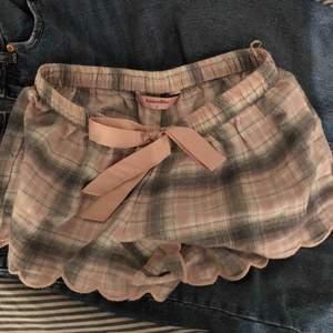 Fina mjukis shorts från hunkemöller. Jätte sköna och mysiga. Aldrig använda!!
