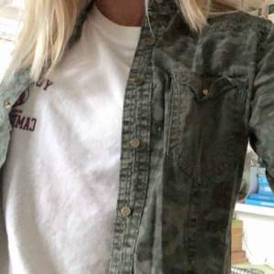 Supersnygg skjorta från Teddy Smith⚡️, säljer den pga för kort i armarna💜