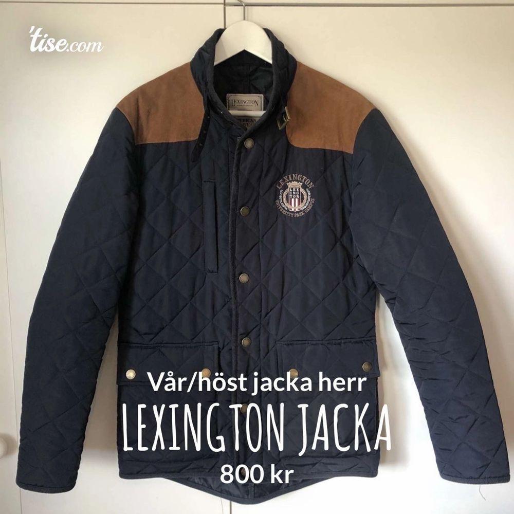 Marinblå vår/höstjacka från lexington i stl s, knappt använd så i mycket bra skick, nypris 2990. Jackor.