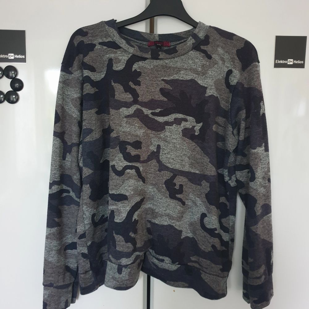 Sweatshirt från madlady 🌸 Storlek L men mer som M. . Tröjor & Koftor.