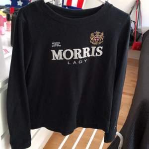 Mörkblå Morris tröja säljes till högstbjudande innan3/6 hämtas i Växjö