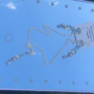 INTE ÄKTA SILVER! Stenarna på smyckena står på lappen! Köparen står för frakten, 11 kr frakt.