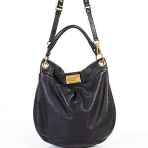 !!INTRESSEKOLL!! Liten intressekoll på min älskade perfekta väska från Marc by Marc Jacobs! Har även tillhörande plånbok! Säljer endast vid bra bud! Nypris runt 4-5000🦋🦋🦋