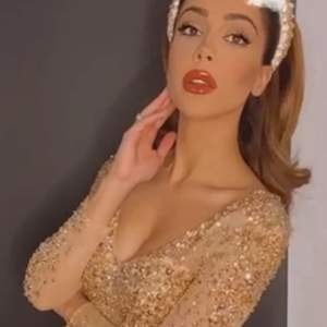 Festklänning, använd en gång, strl XS. Klänningen når till marken även med 15 cm klackar (jag är 170 lång).