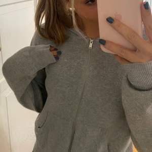 Stickad zip hoodie från h&m. Säljs inte längre.😚😚😚