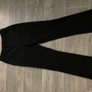 SNYGGASTE kostym byxorna! de är tyvärr lite stora för mig som är väldigt petit:( älskar de! 💞💗💓