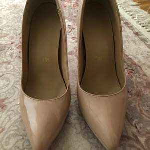 Klack skor( läder )  storlek 39