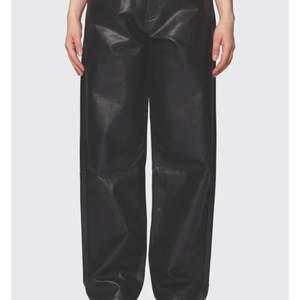 Ett par shyssta BeWider byxor med skön och snygg passform