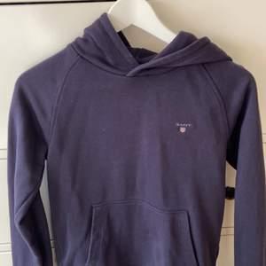 Äkta gant hoodie! Kommer inte till användning därav säljer jag den nu💘