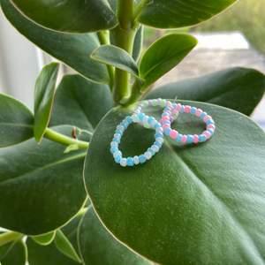 Pastell ring - perfekt till sommaren och ha till halsbandet💗 1 för 10kr 2 för 17kr 3 för 25kr + frakt  Finns färgerna på bilden men fler än på bilden💗