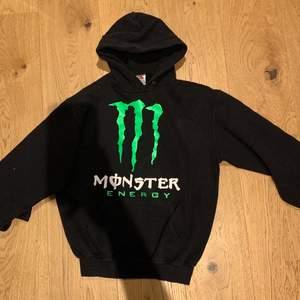 Asnajs monster energy hoodie som inte kommer till användning!
