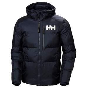 Hej, jag säljer min HH jacka. Har använt fåtal gånger och den är helt som ny. Den är storlek s men m kan också använda. Ny pris 3500kr säljer för 1800 💋