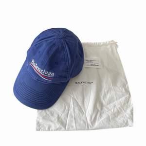 Fint sparsamt använt skick, dustbag och lapp medföljer vid köp.