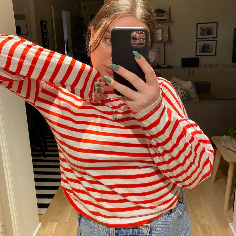 tröja från ginatricot storlek s fint skick!❤️❤️. Huvtröjor & Träningströjor.