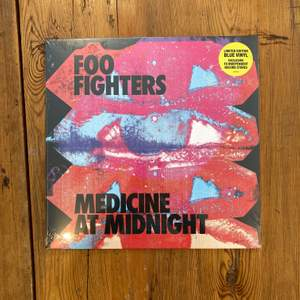 FOO FIGHTERS MEDICINE AT MIDNIGHT - VINYLSKIVA NY / INPLASTAD