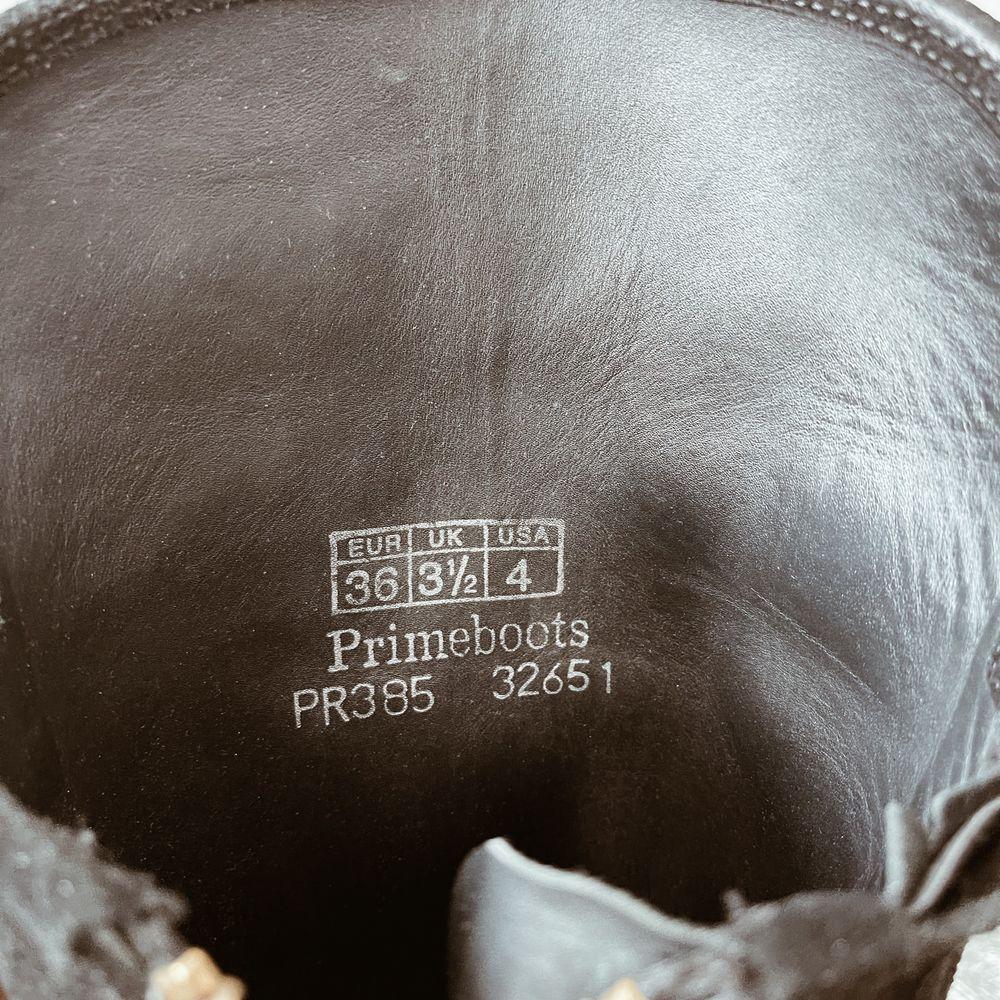 Pris går att diskuteras. Overknee stövlar i storlek 36, köpta för något år sedan, men endast använda en säsong. Vardagliga slitage. Inget kvitto kvar men nypris ca 4000kr.. Skor.