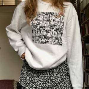 Äkta Levis sweatshirt limited edition köpt i USA, californien❤️ Väldigt oversized och jättemysig!