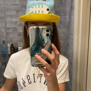 Såå sööt hatt i nyskick, perfekt till sommaren! Köparen står för frakt
