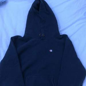 Skit snygg vintage champion hoodie, skriv för fler bilder eller andra frågor, priset går att diskuteras.
