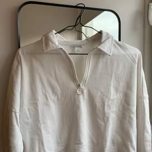Vit tröja från Monki, xs