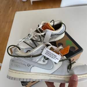 Säljer mina  Nike dunk low Off White lot 22. Size 41 Eu  Bud 3000 bin 3400