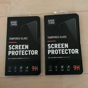 Två oanvända skärmskydd för iPhone X💙 Ena är såld! Frakt: 12kr🚚  Nypris: 79kr styck