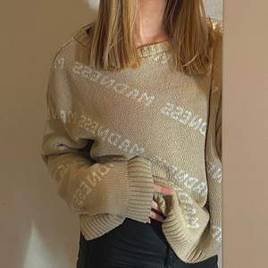 Säljer min fina fina Madness tröja! Den är i storlek M och är jätteskön! Passar bra till nästan allt!🤎🤍Skriv privat för intresse!