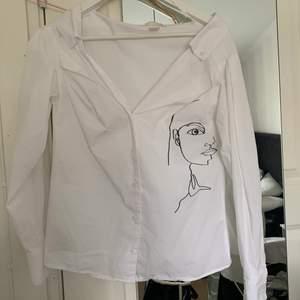Snygg skjorta som är offshoulder💕