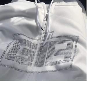 Intressekoll på denna hoodie, Strl S. Kan tänka mig att sälja från 200kr, så kan tänka mig att sälja vid bud från det och upp💕💕nyskick