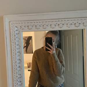 Fin stickad tröja från Bikbok, stl S