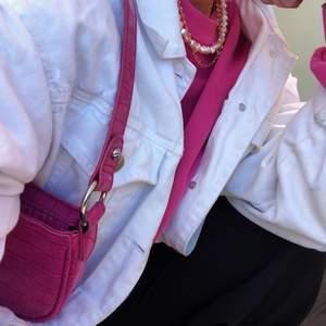 Super fin rosa väska💗✨👛 Mycket sparsamt använd. Köparen står för frakten.📦