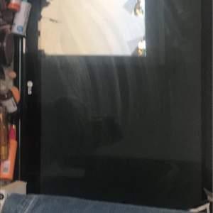 Hej ❤️ hade tänkt att sälja min tv då jag inte har någon användning av den längre! Tv:n är köpt för 2 år sedan och köptes för 5000 kr !