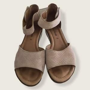 Märke: softwalk Färg: ljusrosa Storlek: 36 Skick: bra skick Material: läder