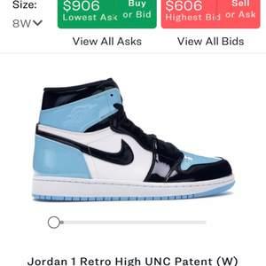 VÄLDIGT MÅNGA INTRESSERADE 🌟🌟 Jordan 1 UNC patent Blue chill,   Köpta för ca 7000kr på StockX. (Finns bild på kvitto) Låda finns INTEkvar, köp direkt för 3300kr.  (finns  tecken på användning så som smutsig sula) Finns fler bilder om man vill ha. INGA BYTEN