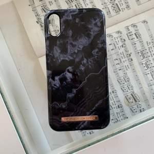 Super fint mobilskal ifrån Ideal of Sweden. Nyskick. Nypris är runt 250-299 kr🖤